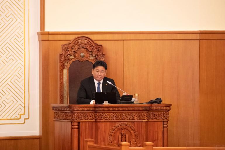 Монгол Улсын Ерөнхий сайд У.Хүрэлсүхийг өөрийнх нь хүсэлтээр огцрууллаа
