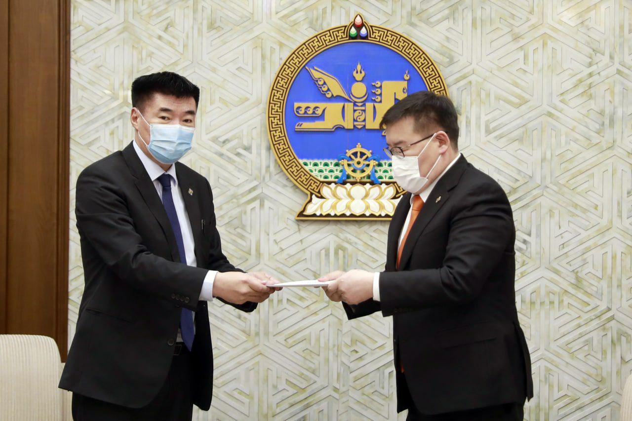 Монгол Улсад улс төрийн нам үүсэн байгуулагдсаны 100 жилийн ойг тэмдэглэх тухай тогтоолын төсөл өргөн барив