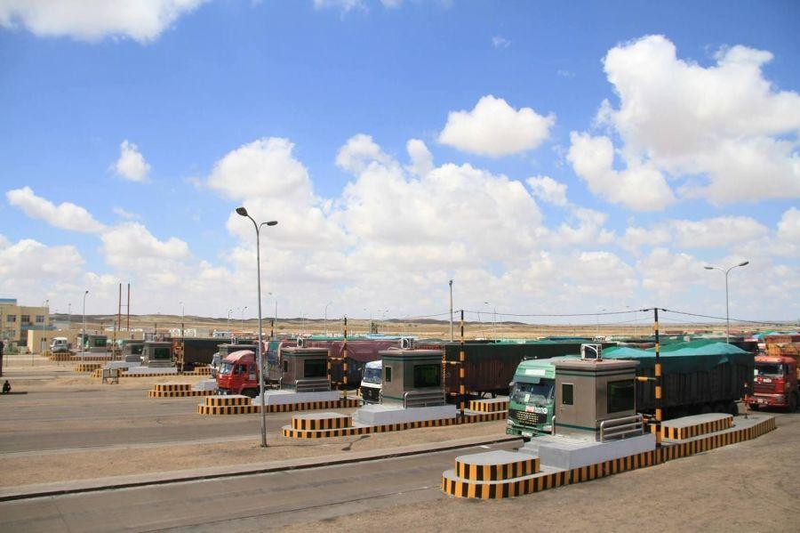 Монгол, Хятадын хилийн боомтод тээвэр хийж байгаа жолооч нарыг дархлаажуулалтад хамруулна