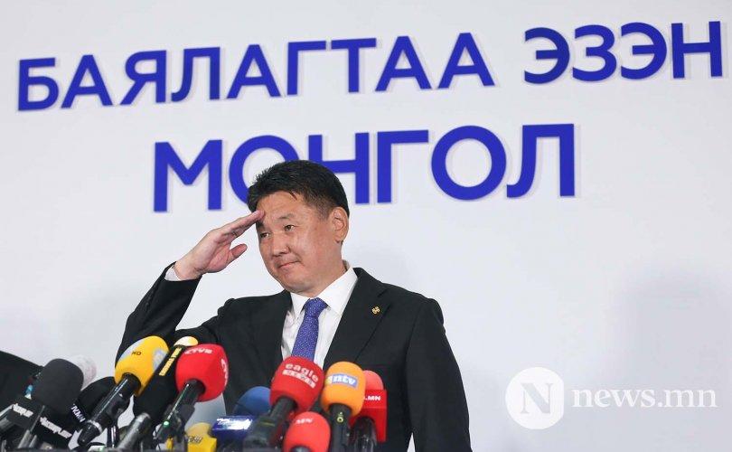 Монгол Улсын зургаа дахь Ерөнхийлөгч У.Хүрэлсүх боллоо