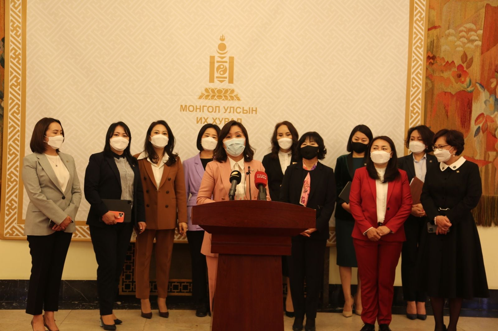 УИХ-ын эмэгтэй гишүүд УОК, Засгийн газарт Баяр наадмыг хойшлуулах санал гаргалаа