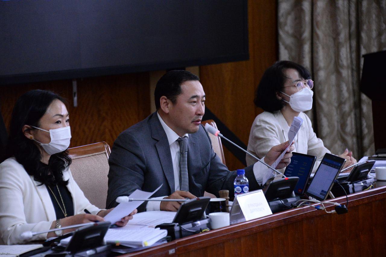 Улаанбаатар хотын эрх зүйн байдлын тухай хуулийн шинэчилсэн найруулгын төслийг хэлэлцэв