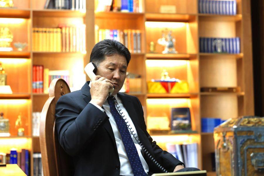 Монгол Улсын Ерөнхийлөгч У.Хүрэлсүх БНХАУ-ын дарга Ши Жиньпинтэй утсаар ярив