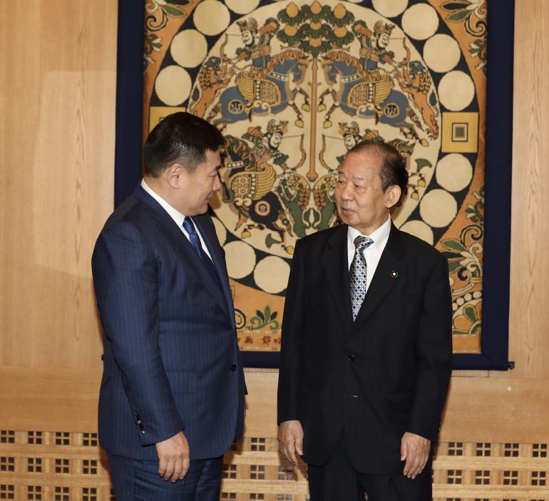 Ерөнхий сайд Л.Оюун-Эрдэнэ Япон Улсын эрх баригч Либерал Ардчилсан намын Ерөнхий нарийн бичгийн дарга Т.Никай, Японы парламент дахь Япон, Монголын найрамдлын бүлгийн дарга М.Хаяши болон парламентын за