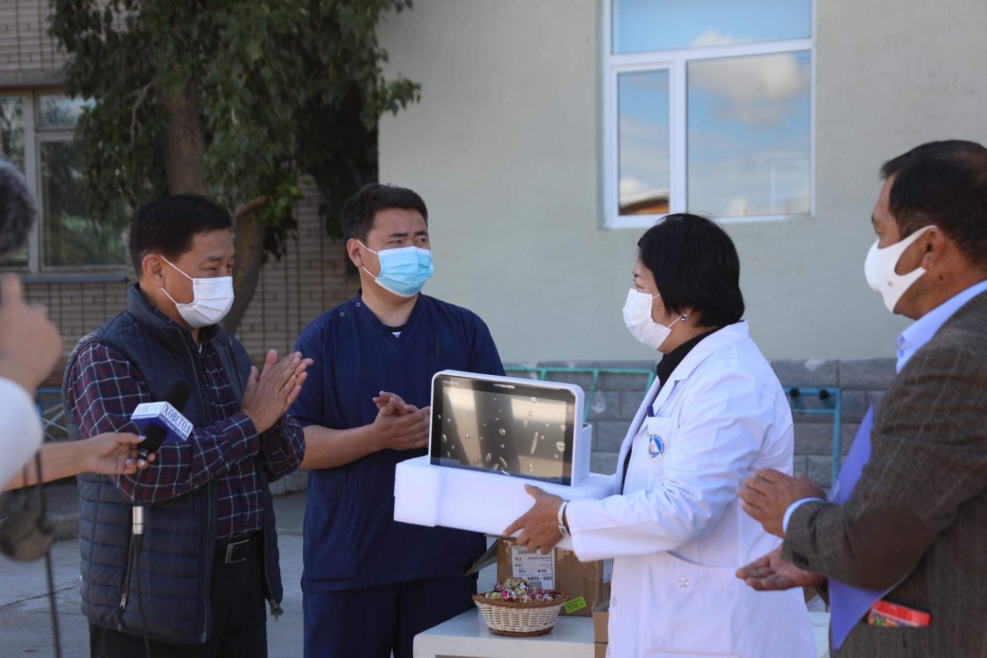 Хөвсгөл аймгийн Нэгдсэн эмнэлэгт хяналтын монитор хандивлав