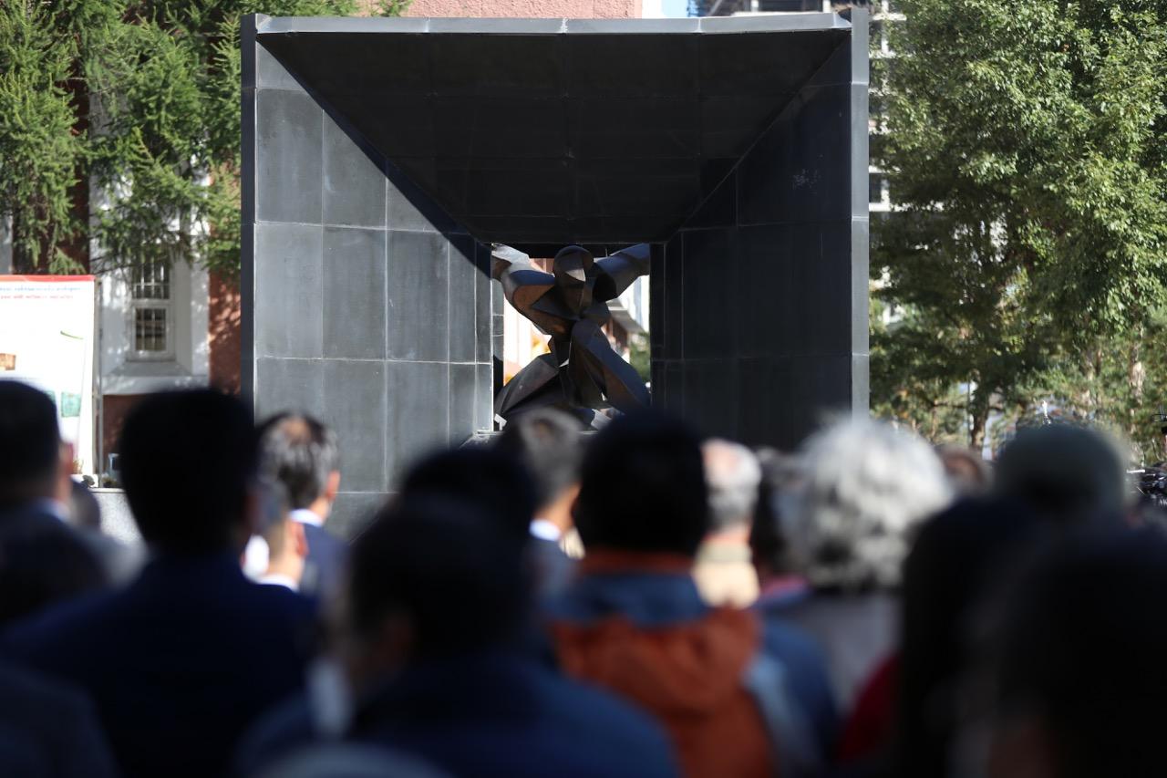 Улс төрийн хэрэгт хэлмэгдэж шийтгэгдсэн гэх иргэдээс 31357 иргэнийг цагаатгажээ