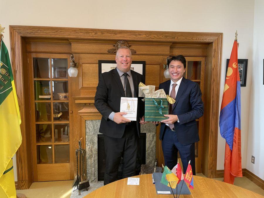 Монгол-Канадын парламентын бүлгийн дарга Г.Дамдинням Саскачеван мужийн сайд нартай уулзав