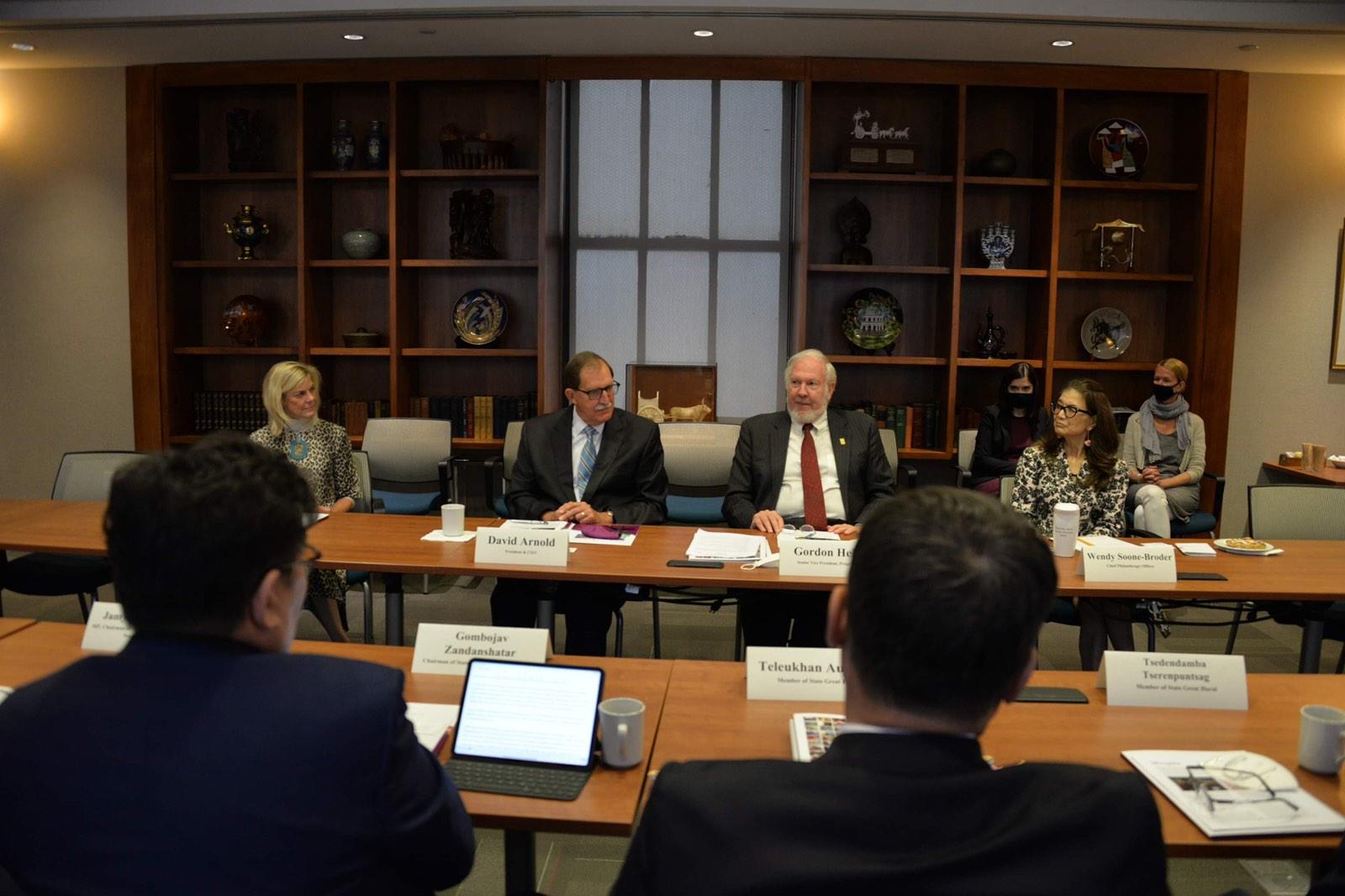 Монгол Улсын Их Хурлын дарга Г.Занданшатар Америкийн Нэгдсэн Улсад ажлын айлчлал хийж байна