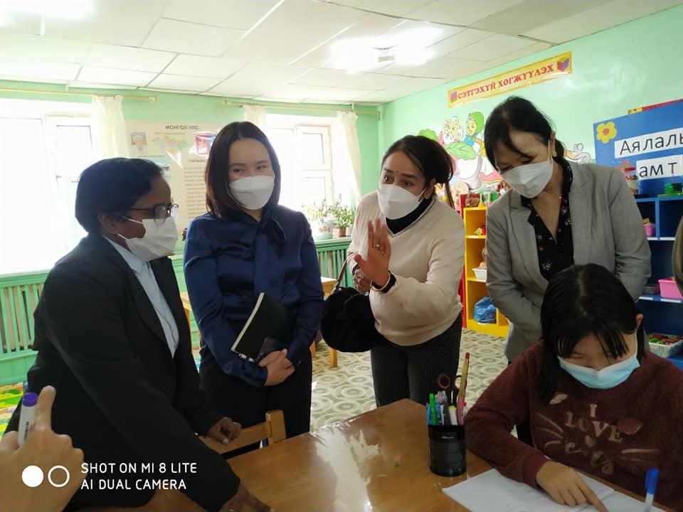 """Тусгай хэрэгцээт хүүхдийн """"Солонго"""" төвийн үйл ажиллагаатай танилцлаа"""